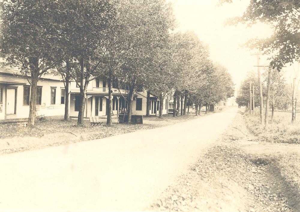 Lakeshore Road North towards Wysockis
