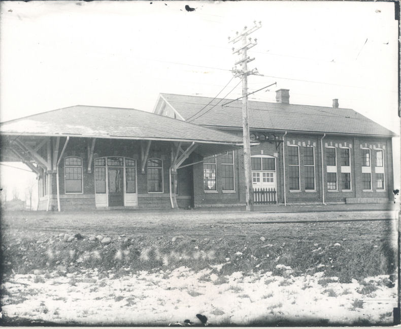 Trolley Station at what is now S. Bay Rd.